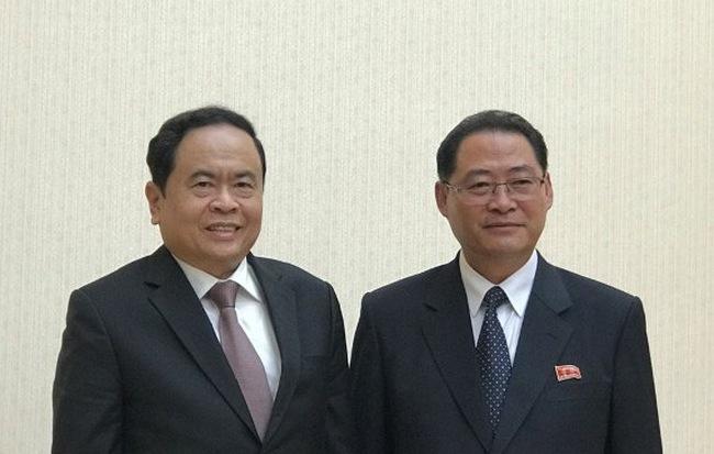 Đoàn đại biểu Đảng và Nhà nước ta thăm và dự Lễ kỷ niệm 70 năm ngày thành lập nước CHDCND Triều Tiên