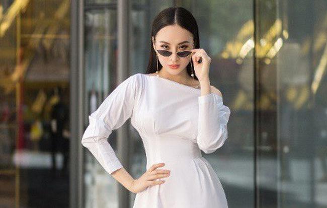 Học ngay phong cách thanh lịch từ street style của Angela Phương Trinh