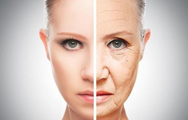 Có 2 thói quen này, bảo sao bạn lại luôn trông già hơn so với những người bạn bên cạnh