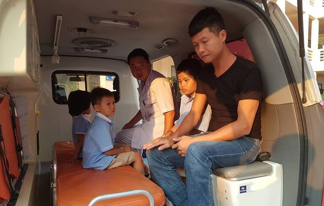 Xác định độc tố tụ cầu vàng có trong thịt gà khiến 352 học sinh nhập viện ở Ninh Bình