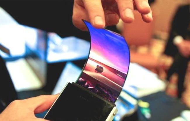 """Samsung, LG và BOE sẽ cùng chia nhau miếng bánh """"béo bở"""" trên thị trường smartphone màn hình gập trong tương lai"""