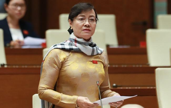 Đại biểu Lưu Bình Nhưỡng và Nguyễn Thị Quyết Tâm tranh luận về nhà hát 1.500 tỷ tại Thủ Thiêm