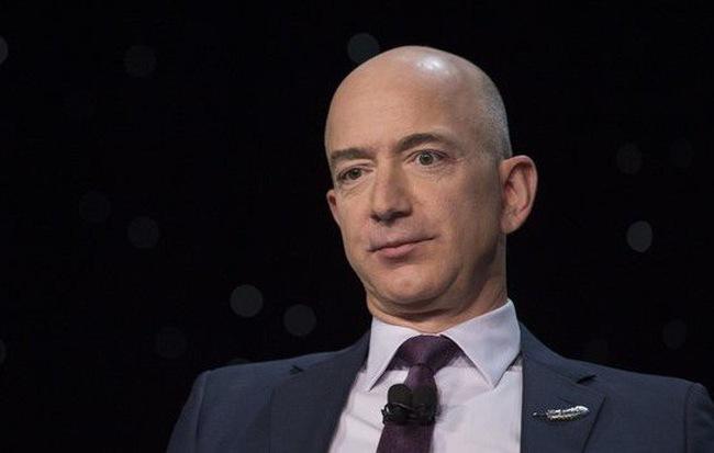 Jeff Bezos vừa thiết lập kỷ lục là người có tài sản giảm nhanh và nhiều nhất trong lịch sử: Gần 20 tỷ USD 'bay' trong 2 ngày!